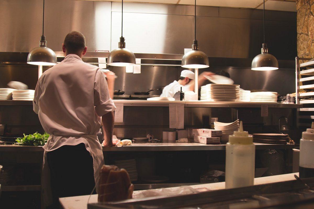 Auberge de Kerhinet - offres d'emploi salle + cuisine